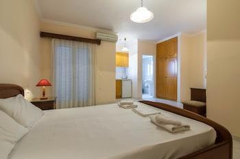 Dinos Hotel Apartments