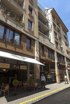 Broadway Apartments