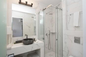 Greco Philia Luxury Suites & Villas