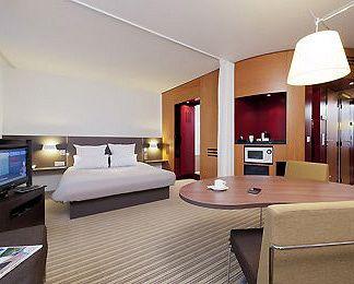 Novotel Suites Paris Montreuil