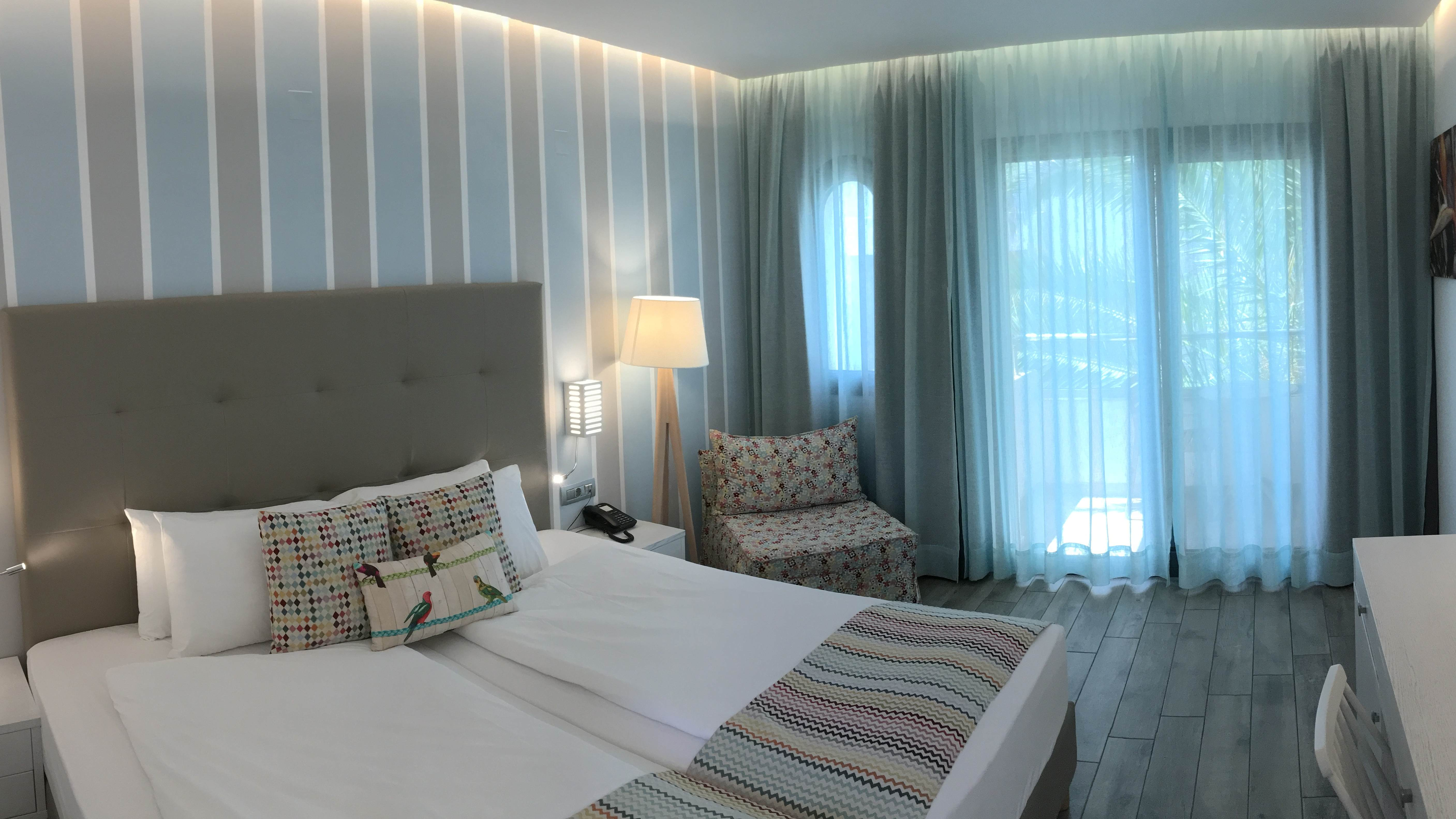 Kyknos Beach Hotel
