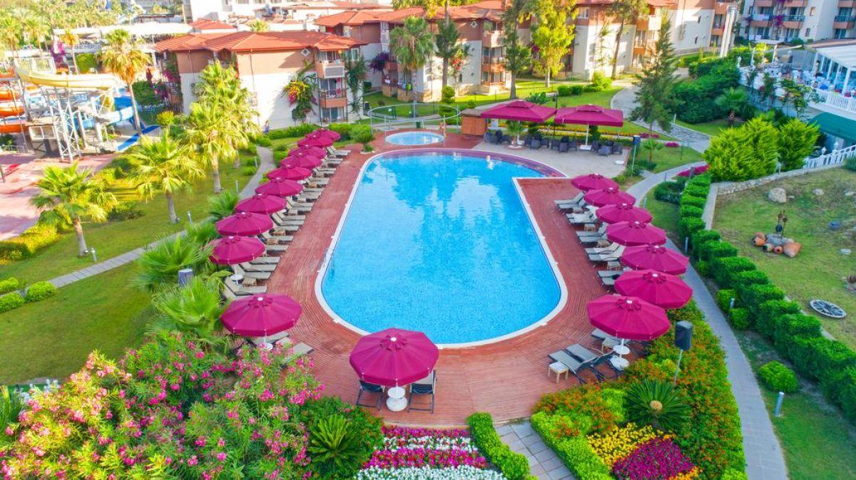 Justiniano Deluxe Resort