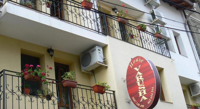 Hotel Varusha