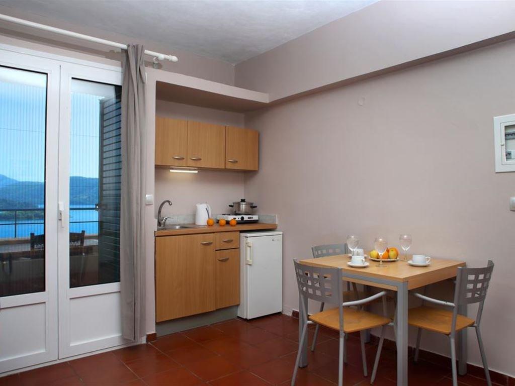 Scorpios Hotel and Apartments (Nidri)