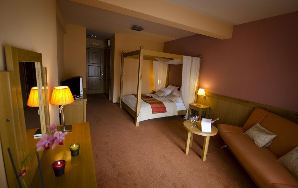 Hotel si Restaurant Gonduzo