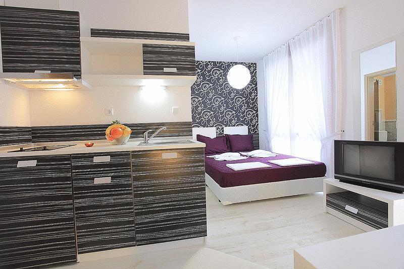 Aparthotel Rainbow III & IV 3* | RO (fara masa) / BB (mic dejun bufet) / HB (mic dejun si cina) / FB (mic dejun, pranz si cina)