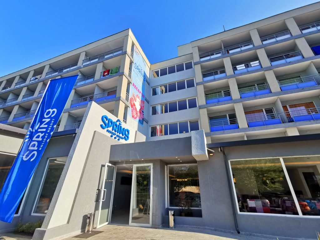 SPRING HOLIDAY ORANGE - fostul Hotel Clabucet