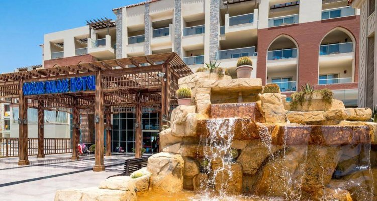 Hawaii Caesar Palace Hotel & Aqua Park - Families and Couples only
