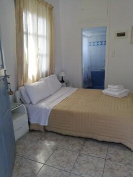 Antonis Rooms