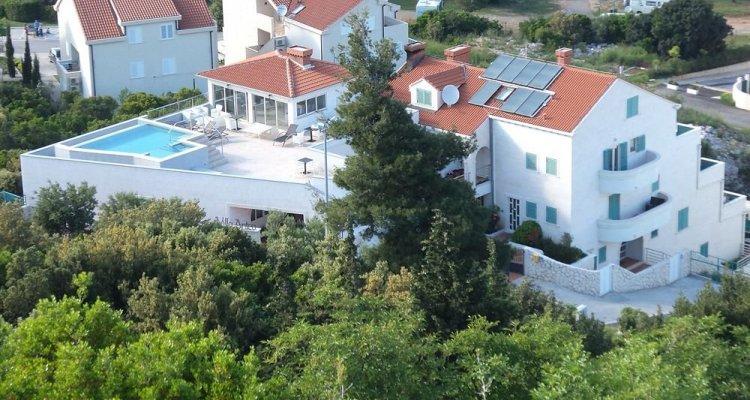 Antea  (Private Accommodation)