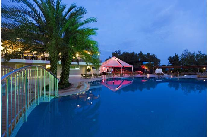 MERIDIA BEACH HOTEL