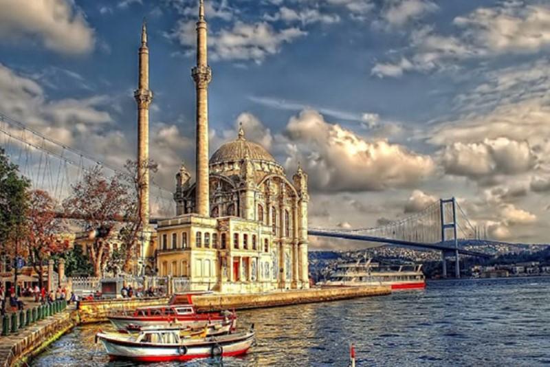 ISTANBUL - Comorile Orientului
