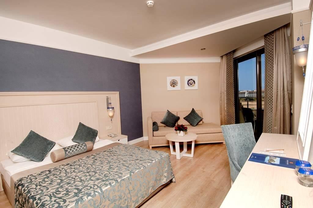 SEAMELIA BEACH RESORT & SPA HOTEL