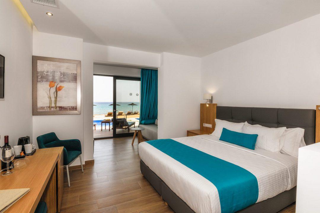 Cavo Orient Beach Hotel
