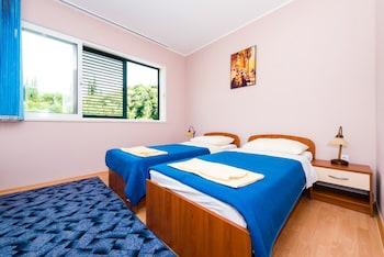 Apartments Dubelj