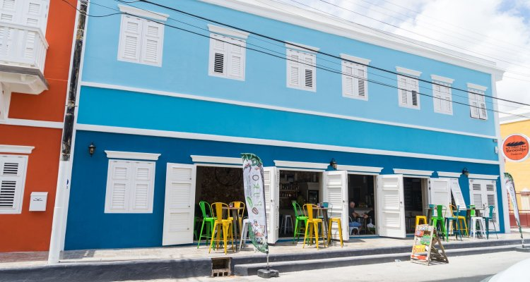Bed & Bike Curacao Hostel