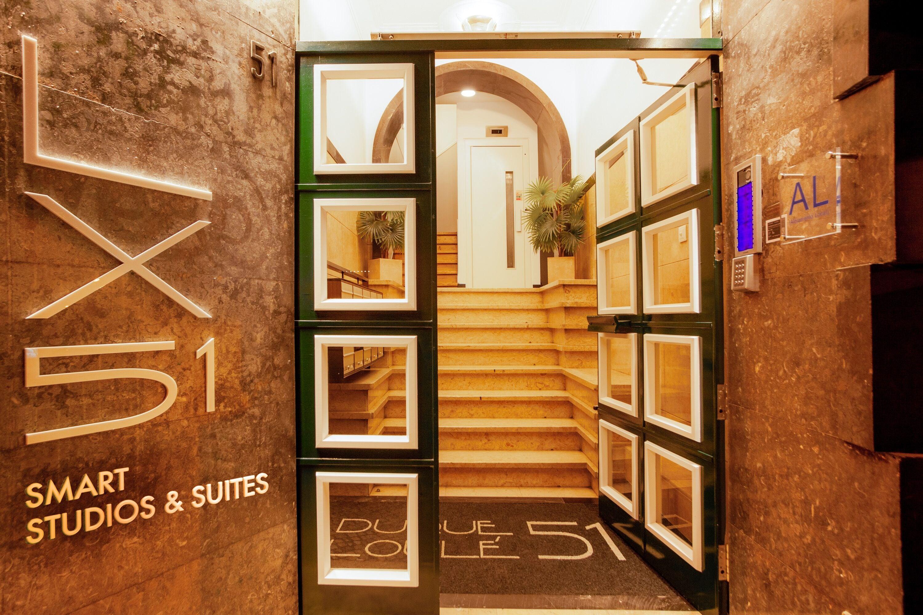 Lx51 – Smart Suites