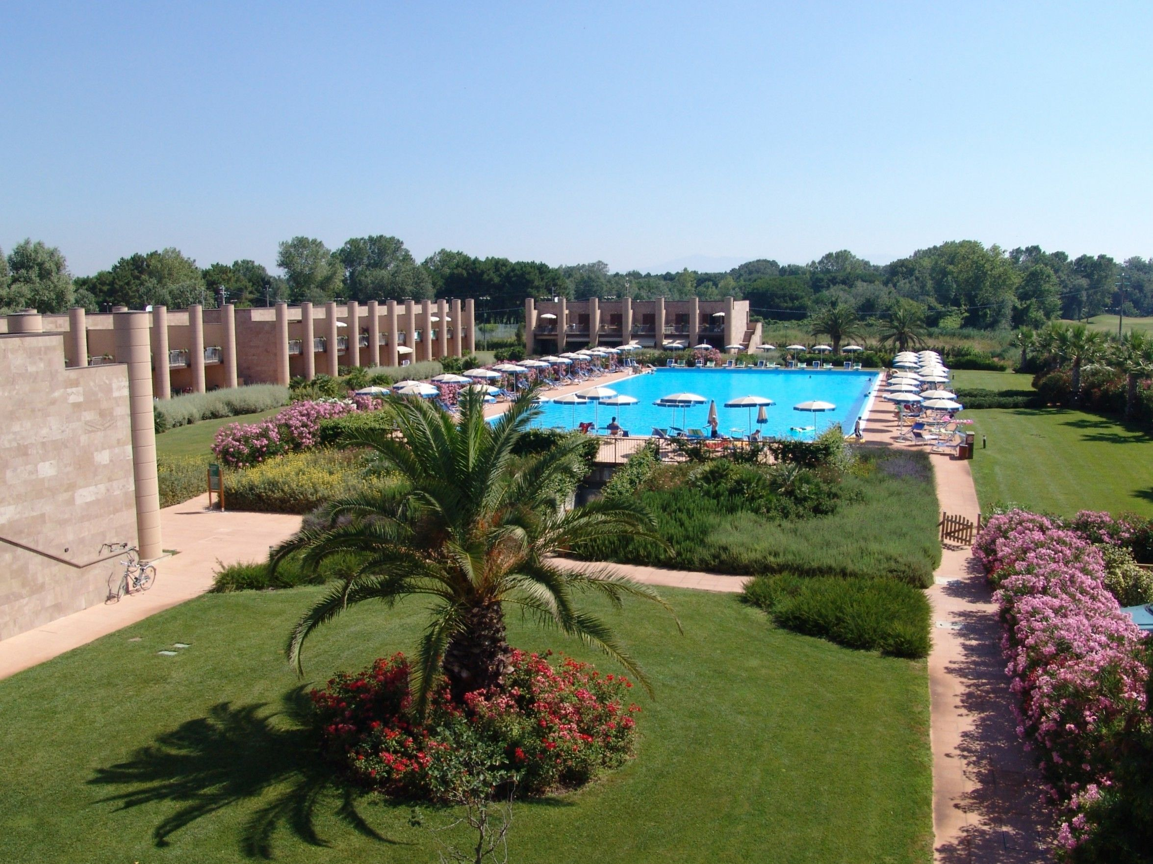 Cosmopolitan Golf And Beach Resort