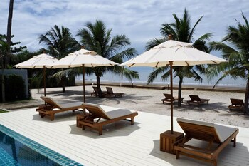 The Sea House Resort