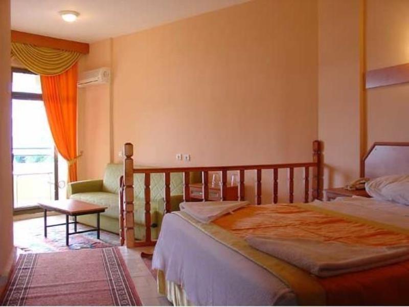 AMOS HOTEL