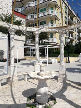 Studio In Elenite With Wonderful Sea View Shared Pool Furnished Balcony 20 M From The Beach