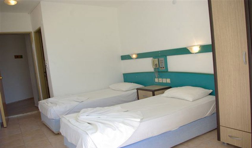 MERIC BEACH HOTEL