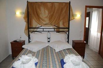 Skiathos Island Suites