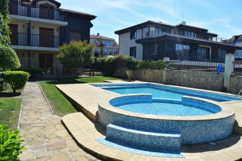 Paradise Bay Villas