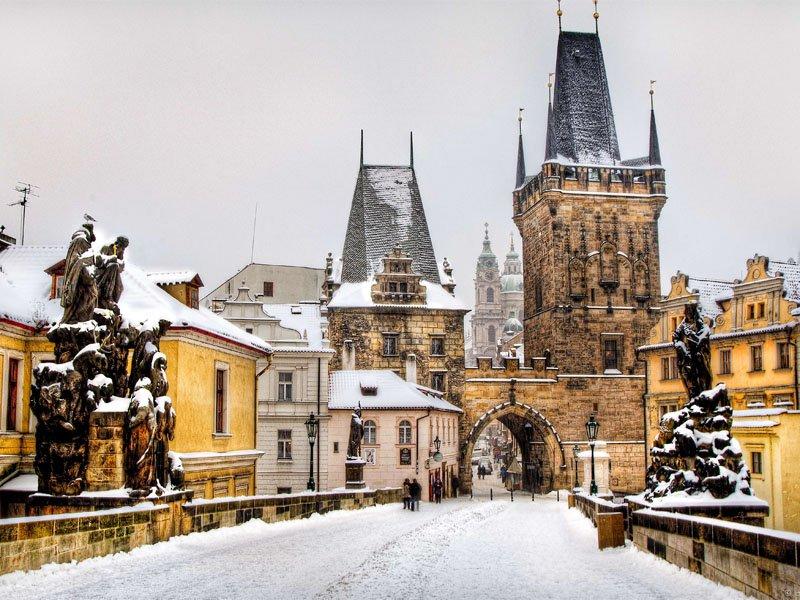 <b>Targuri de Craciun: Bratislava - Praga - Dresda</b>