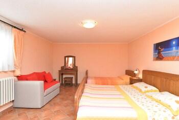 Apartments Valter 881