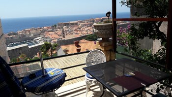 Sea View Villa Emilija