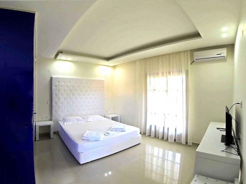 Macedon Hotel (Limenas)