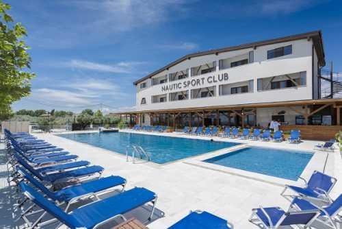 Pensiune Nautic Sport & Luxury Club