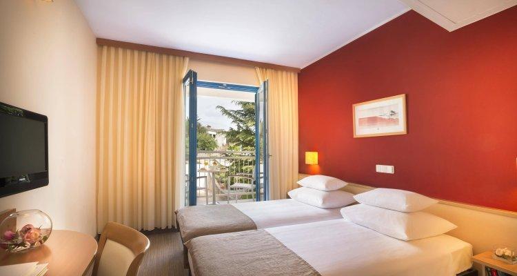 Valamar Koralj Hotel