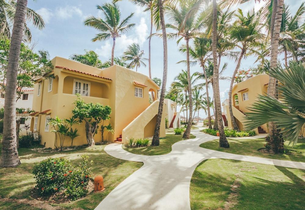 Los Corales Beach Village