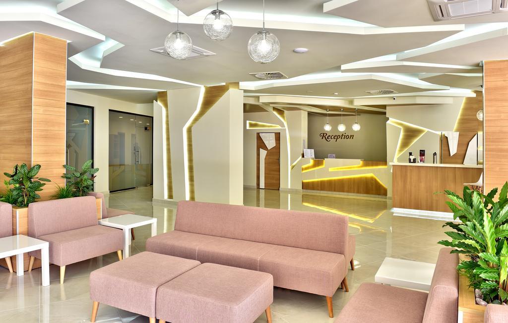 FORESTA GRIFID HOTEL