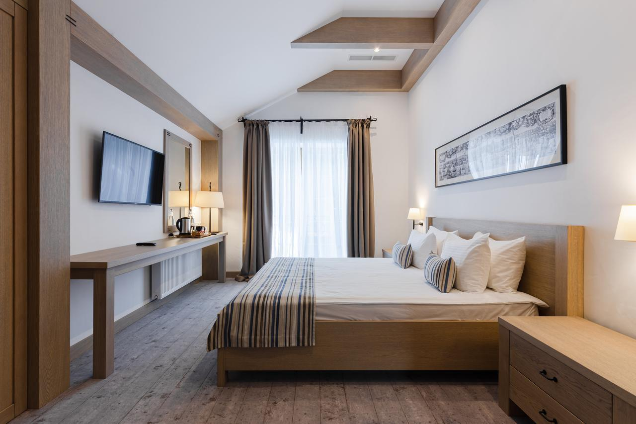 Amstelski Hotel