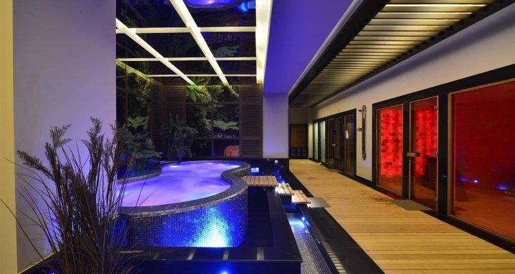 Elite Luxury Suite And Spa
