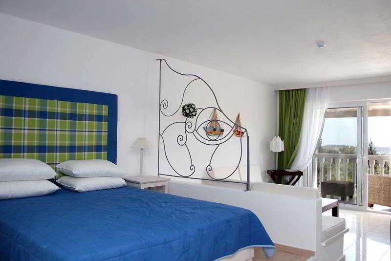 Belvedere Gerakas Lux. Suites