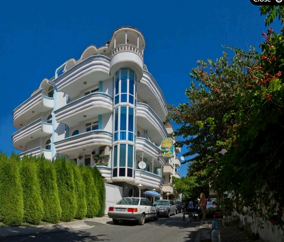 Paros II Family hotel(former Mants I)