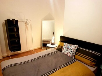 Budget House In Gants Hill