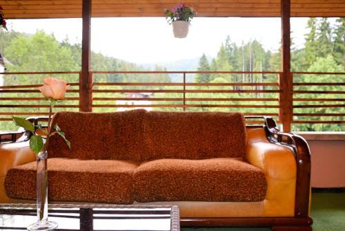 Atrium Mountain View Predeal
