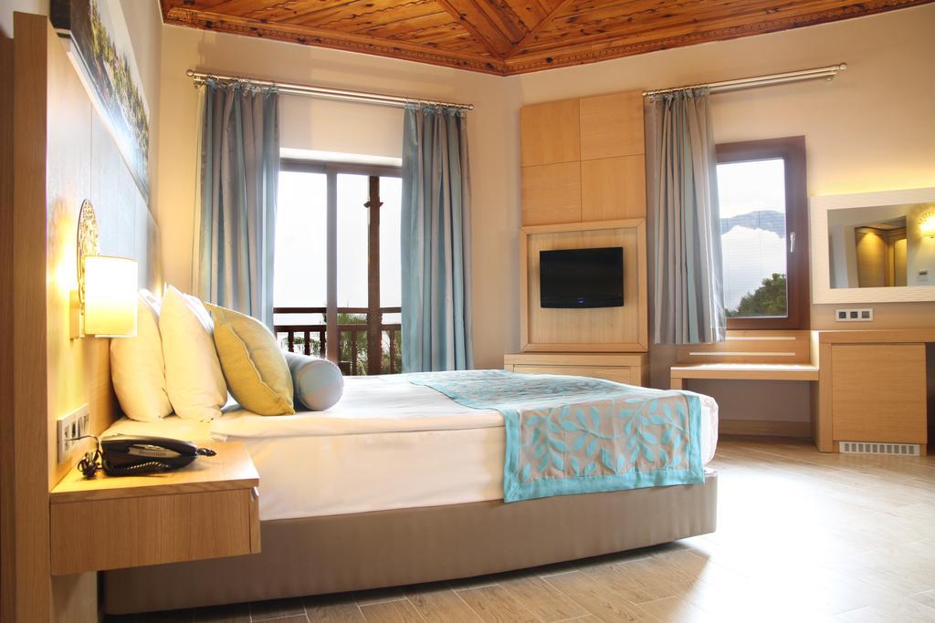 CLUB HOTEL LETOONIA