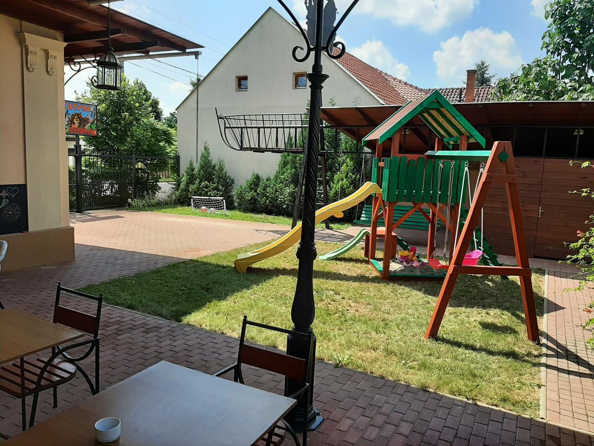 Gyulai Meseház Apartman