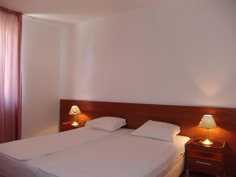 Apart-hotel Efir