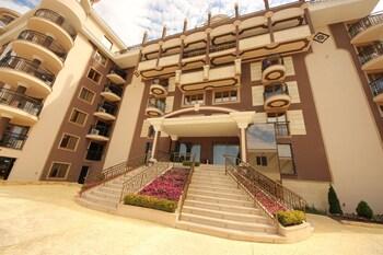 Menada Golden Rainbow Apartments