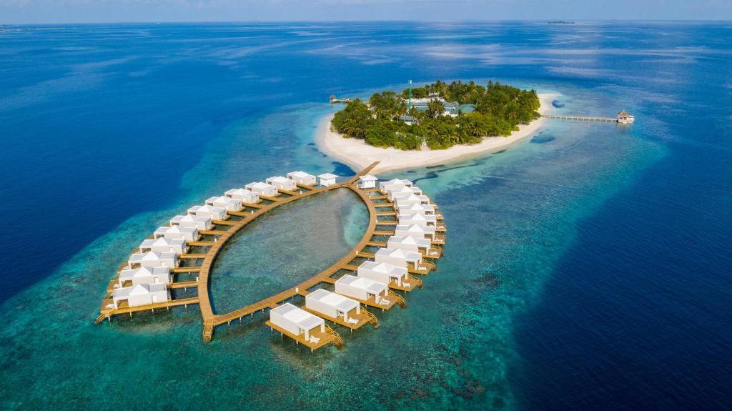 Sandies Bathala Island Resort