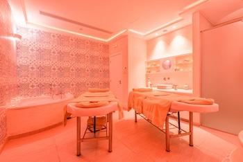 Melpo Antia Luxury Apartments & Suites