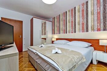 Aparthotel Adeo