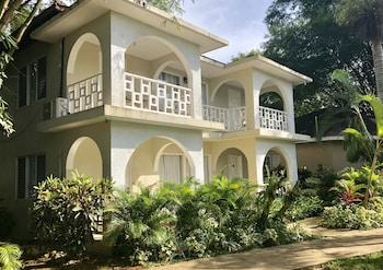 Coral Seas Garden Resort